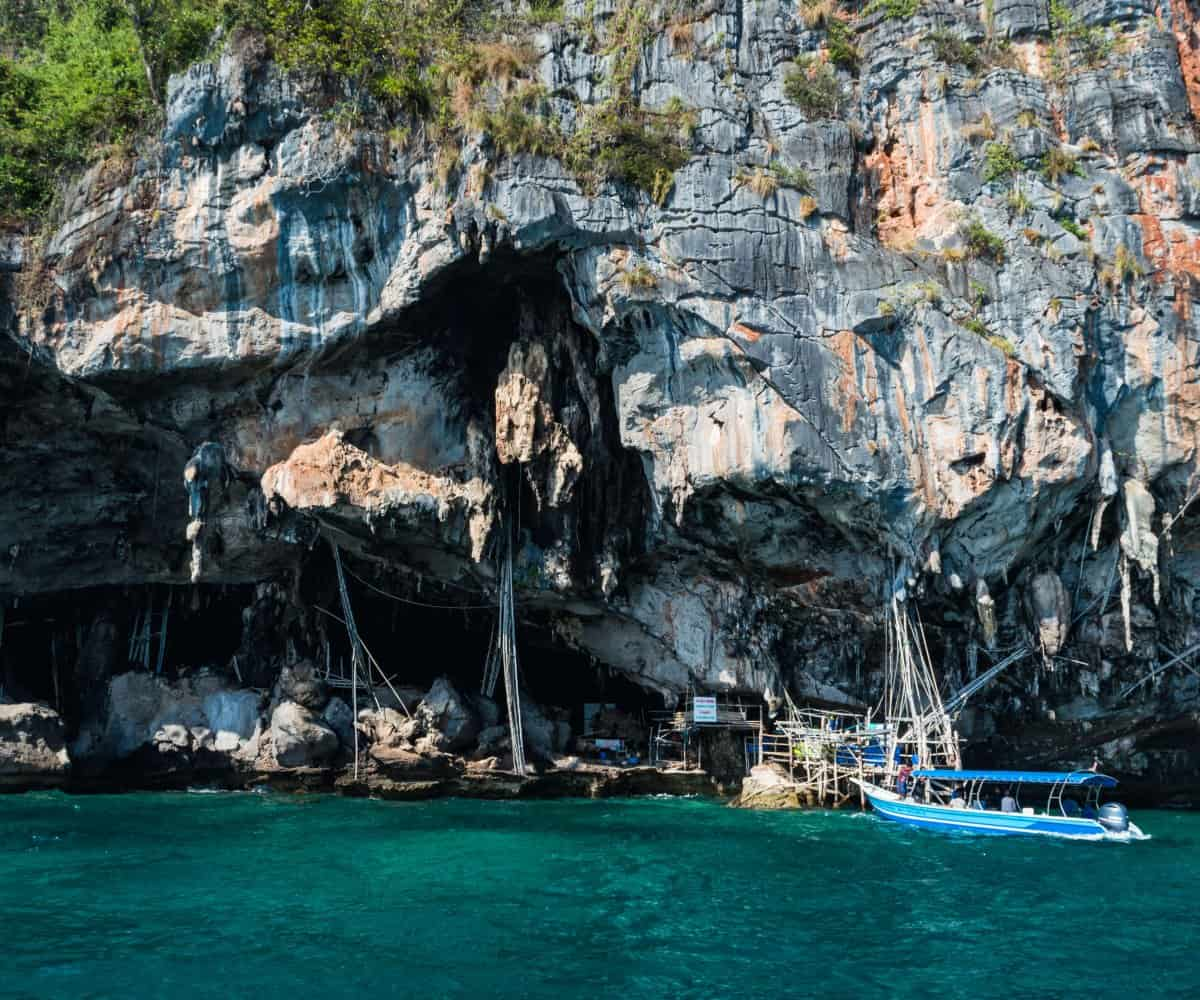 Phi Phi Island Tour: How To Beat The Crowds To Maya